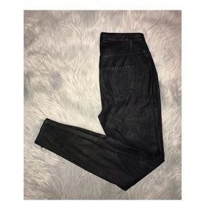 Faux Leather Hi-Rise Leggings in perfect condition